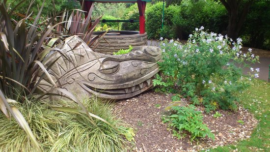 Peasholm Park: Dragon