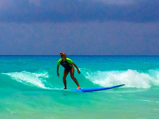 360 Surf School: Peyton catching a wave!