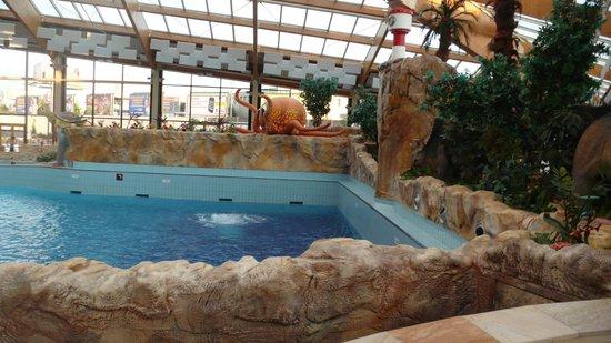 Aquapalace Hotel Prague: Прекрасное место для деток – пиратский корабль с огромным осьминогом