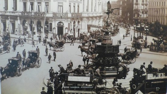 London Transport Museum : Old photo