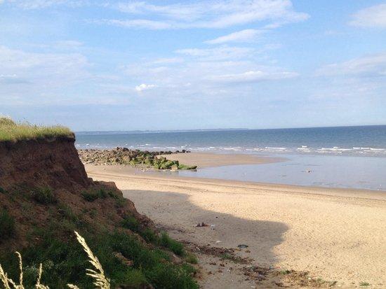 Barmston Beach Holiday Park - Park Resorts: Barmston beach