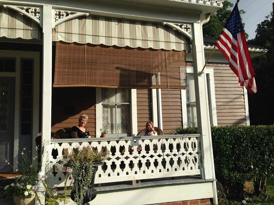 Devereaux Shields House : Coffee on the front porch each morning.