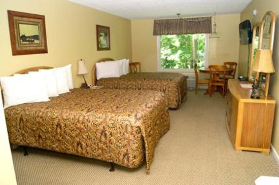 Halesford Harbour Inn: Standard Room