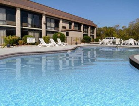 Baymont Inn & Suites Rock Hill: Pool