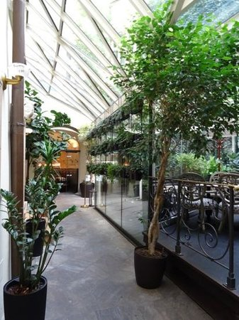 Savic Hotel : Inside the Savic