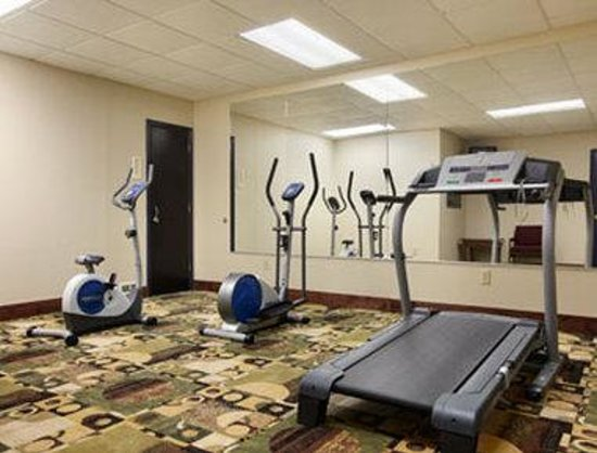 Days Inn by Wyndham Harriman: Fitness Center
