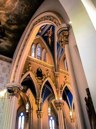 University of Notre Dame: Arch in Basilica
