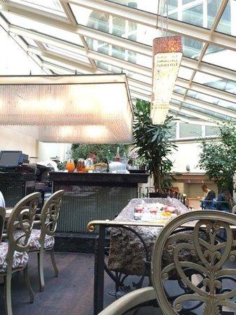 Savic Hotel : Breakfast Bar/ Buffet
