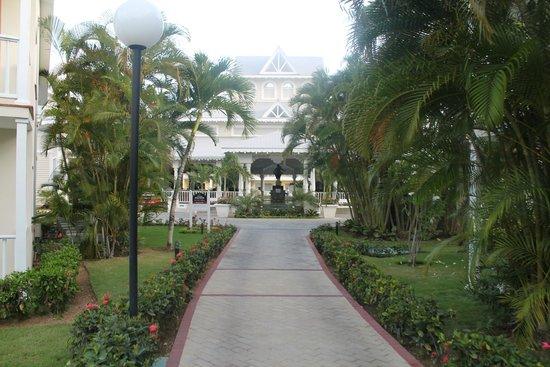 Grand Bahia Principe La Romana: Luxury Lobby
