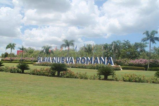 Grand Bahia Principe La Romana: Hotel entrance