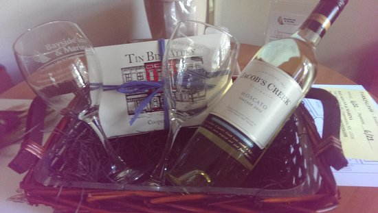 Bayside Inn & Marina : Wine & Chocolate package! delicious truffles