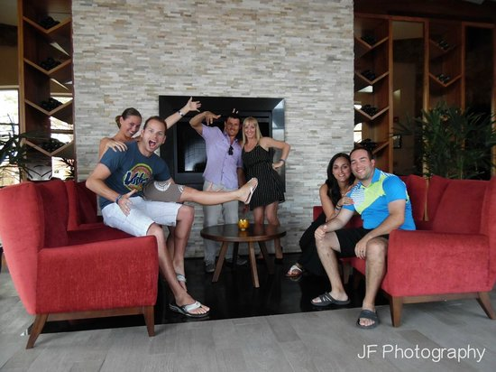Sandos Finisterra Los Cabos: Those crazy Canadians at Don Diego