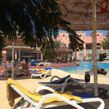 Nubian Island Hotel: By the pool, paradise