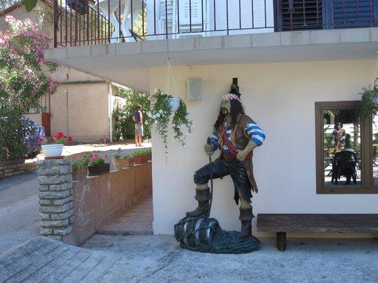 Pansion Pirat