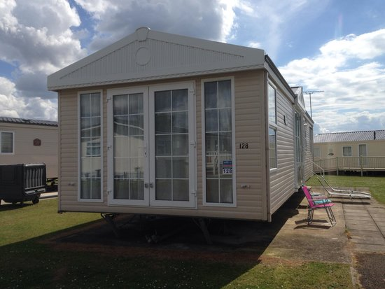 Manor Park Holiday Park - Park Resorts : Fabulous caravan