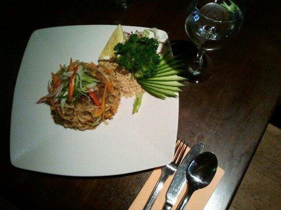 Chilli Banana: Phad Thai with beef.