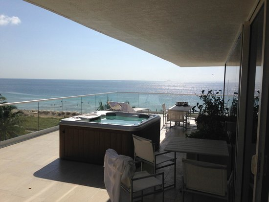 Grand Beach Hotel Surfside : King Ocean Front Jacuzzi Suite