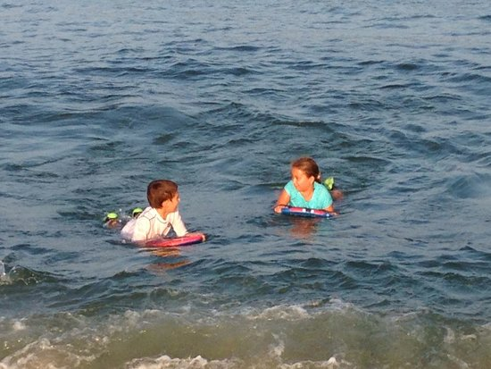 Pelican Point Motel: Point pleasant beach-  My Twins Enjoying!