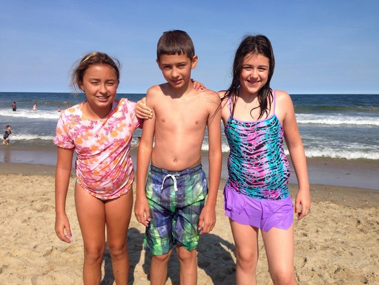 Pelican Point Motel: My Twins with friend at Point pleasant beach Nj
