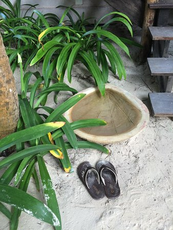 Encantada Tulum: foot baths were an awesome way to keep sand out of room