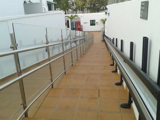 Gloria Izaro Club Hotel: escaleras y rampa ( muy bien adaptado para discapcitados)