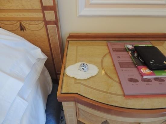Grand Hotel Capodimonte : choccie before bed?