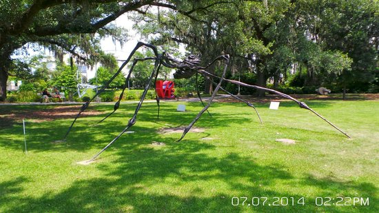 The Sydney and Walda Besthoff Sculpture Garden at NOMA: Spider