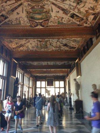 Galería de los Uffizi: Галереи музея