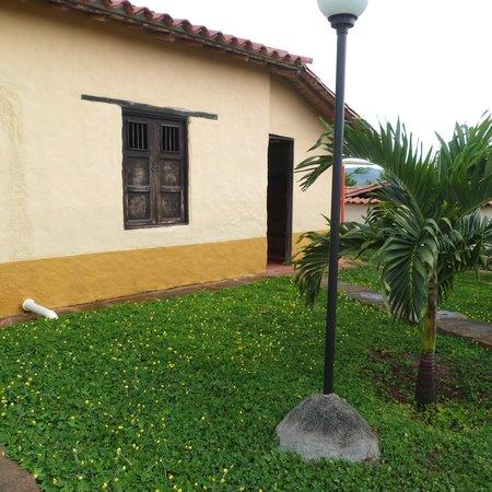 Hotel Santos de Piedra: view of one room