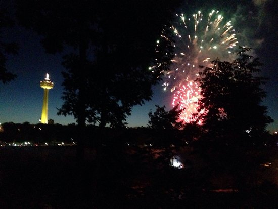 Seneca Niagara Resort & Casino: There are fireworks from the Canadian side 3 nights per week.