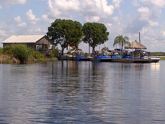 Capt Mitch's - Everglades Private Airboat Tours: Captain Mitch locatie vanaf de boot gezien