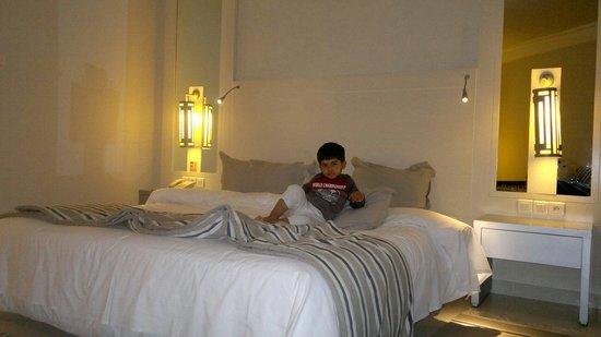 Djerba Plaza Hotel & Spa: My son in hotel