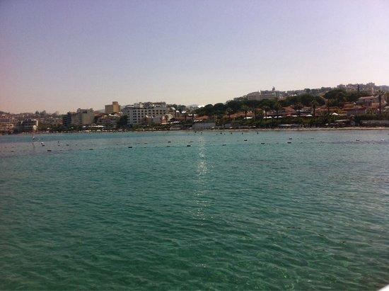 Marti Beach Hotel : Kuşadasının içinde denizden en faZla keyif alabileceğiniZ tek yer