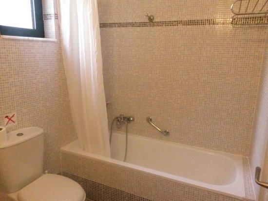 Pefkos Village Resort: Bathroom