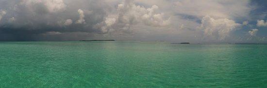 Blu Q Catamaran : View of a storm moving in off the sandbar area on the Blu Q