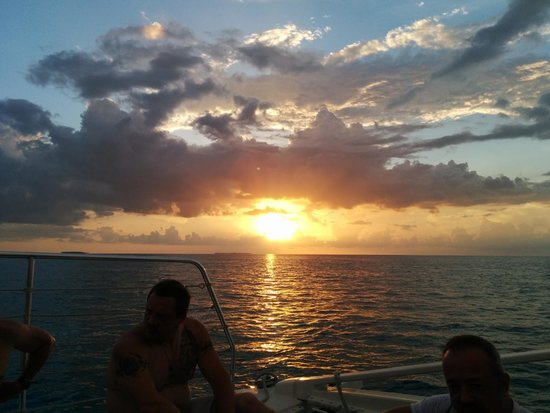 Blu Q Catamaran: Sunset from the Blu Q