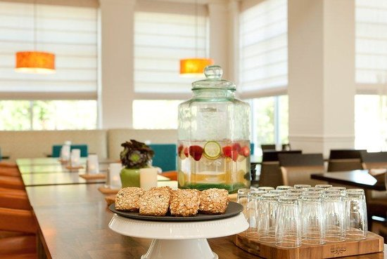 Hilton Garden Inn Portland Airport: Treats for Guests
