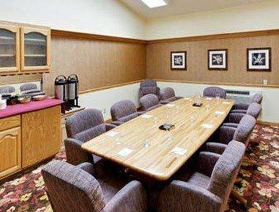 Hawthorn Suites by Wyndham Sacramento: Boardroom