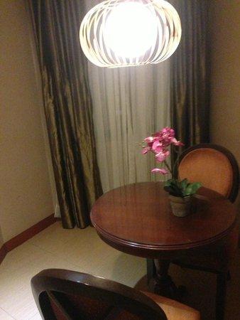 Royal Garden Hotel: dining