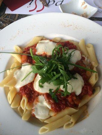 Passion: Tomato mozzarella pasta