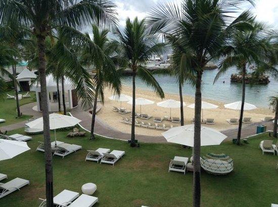 Movenpick Hotel Mactan Island Cebu: Пляж