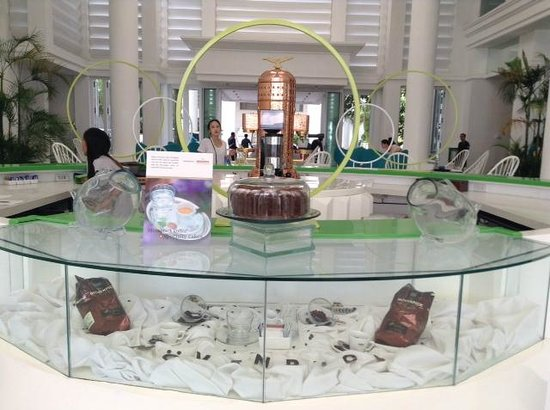 Movenpick Hotel Mactan Island Cebu: Итал. кофе-машина - фишка отеля