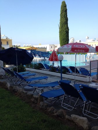 Kefalonitis Hotel Apts.: Pool view