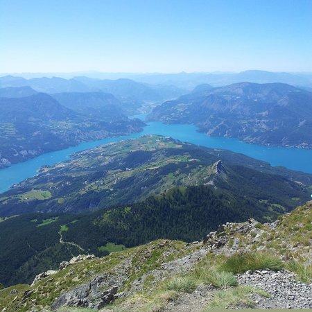Gîte les Dormillouses : Vue à 360° sur le lac de Serre-Ponçon