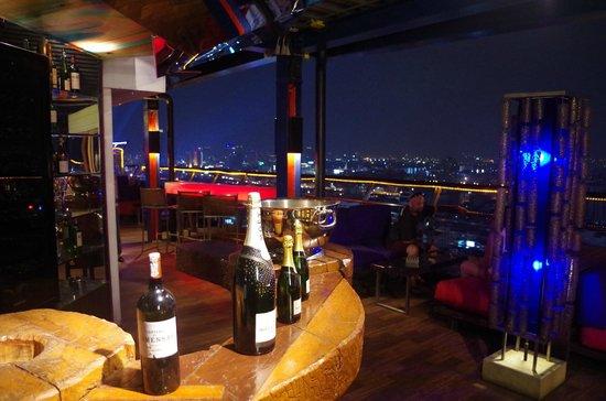 Siam@Siam Design Hotel Bangkok: Roof Top Bar and restaurant