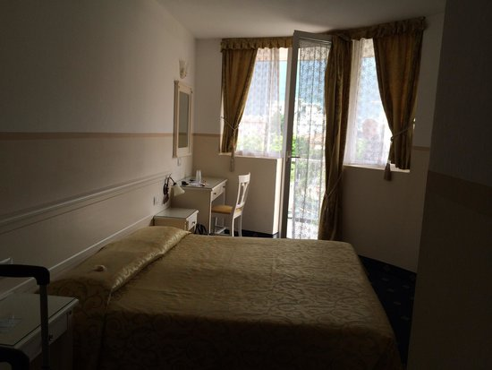 Hotel Royal: double bedroom