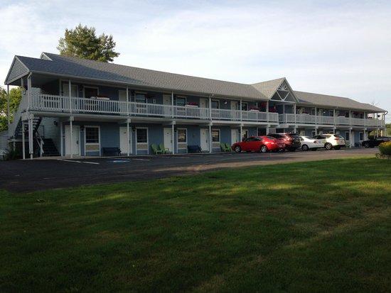 Americas Best Value Inn-Scarborough/Portland: Property Left