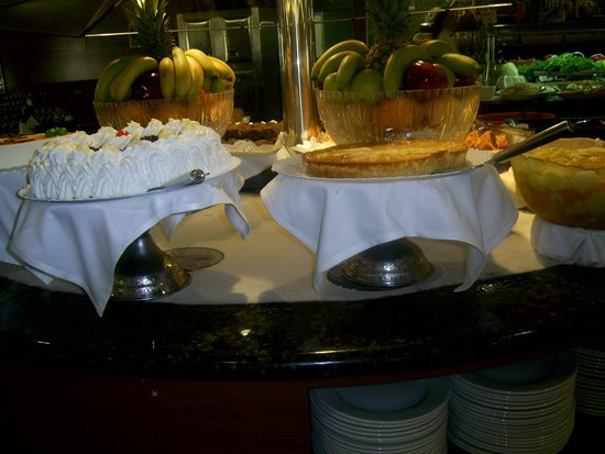 Golden Port Salou: the dessert table