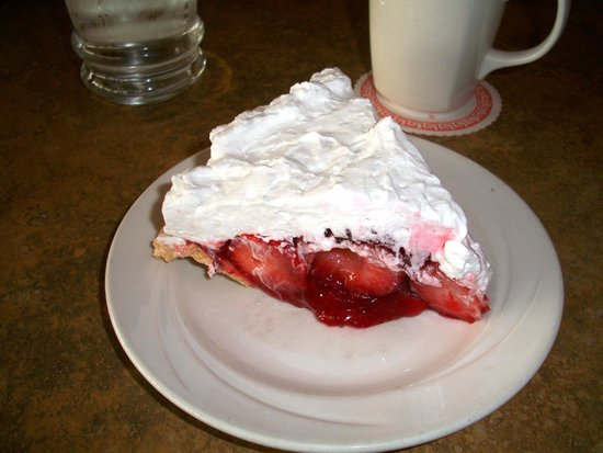 Green Leaf Restaurant : Iconic and delicious Strawberry Pie