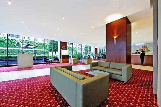 Seasons Botanic Gardens: Lobby